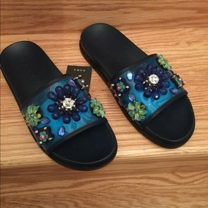 NEW! ZARA BLUE SLIP ON SANDALS W/ 3-D FLOWERS